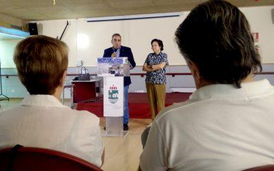 La lectura de un manifiesto y una charla participativa para celebrar el Día Internacional de las Personas Mayores