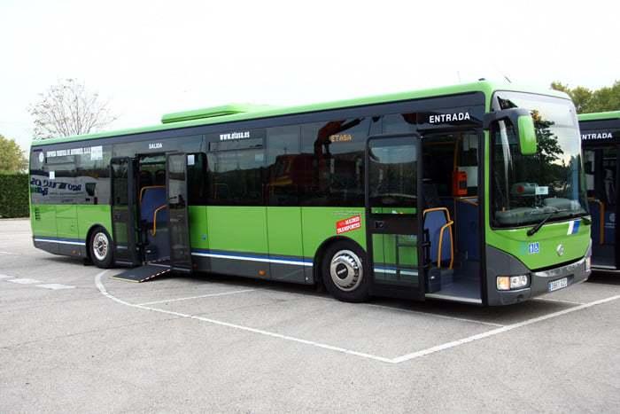 La línea de autobús 220 modifica su itinerario para prestar servicio en el área industrial