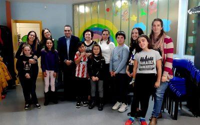 El alcalde y las concejalas de Infancia y Educación se reúnen con los/as miembros del Foro Infantil y la Mesa de Participación Adolescente
