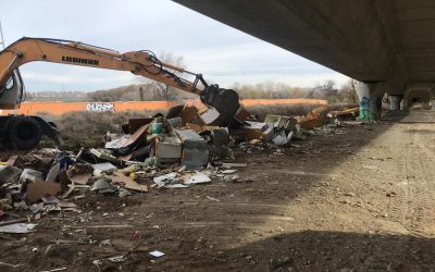 El área de Mantenimiento de la Ciudad emprende la limpieza de dos vertederos ilegales