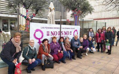 Los/as mayores de San Fernando de Henares muestran su total compromiso con las jornadas por el 8 de Marzo con diversos actos simbólicos