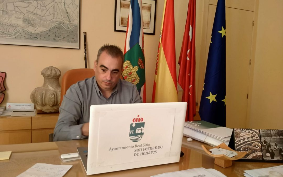 El alcalde, Javier Corpa, emite una carta dirigida a la presidenta regional para reclamar información sobre la autorización masiva de tests a la ciudadanía de un municipio vecino