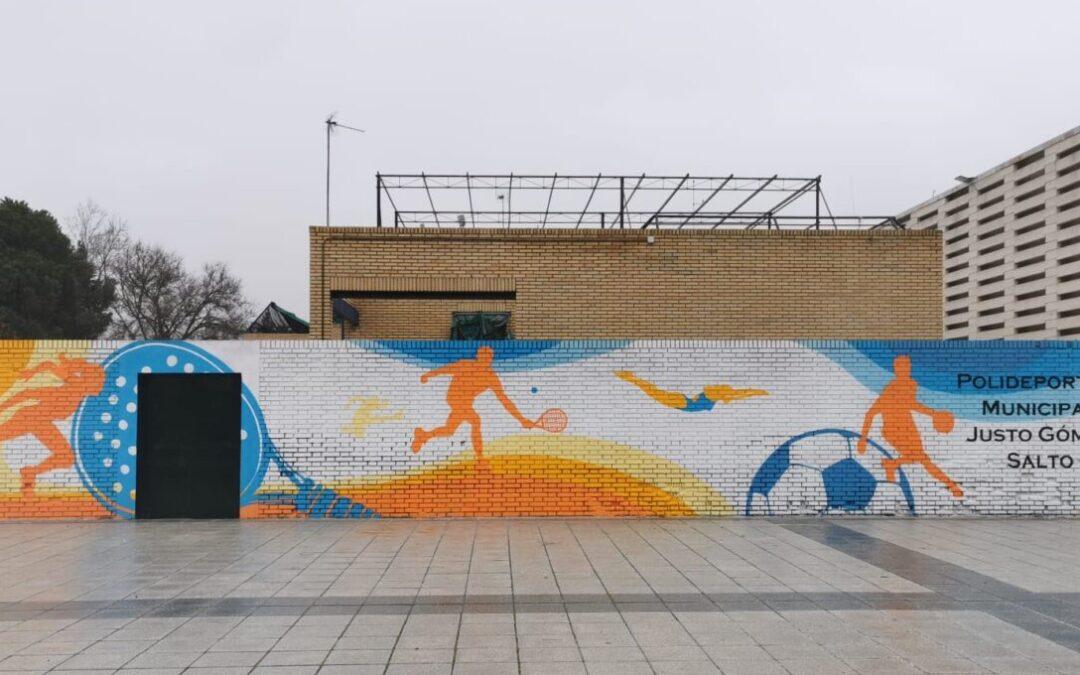 Drion y Flaseado ponen punto y seguido al proyecto 'Sanfer Cambia' con un espectacular mural en la fachada del Polideportivo Municipal 'Justo Gómez Salto'