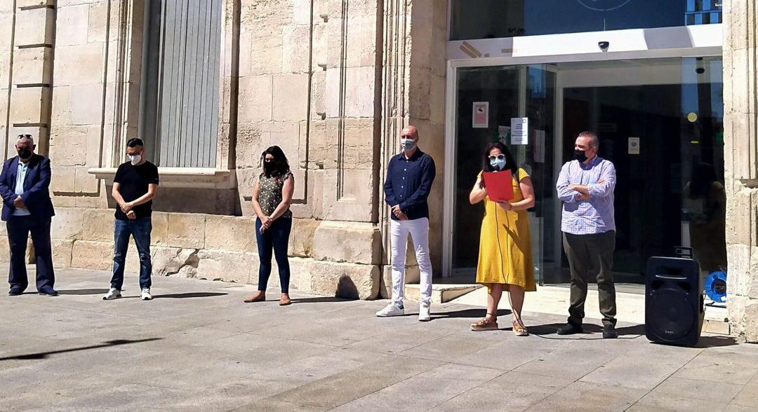 San Fernando de Henares conmemora el Día del Orgullo LGTBI con la lectura de un manifiesto a las puertas de la Casa Consistorial