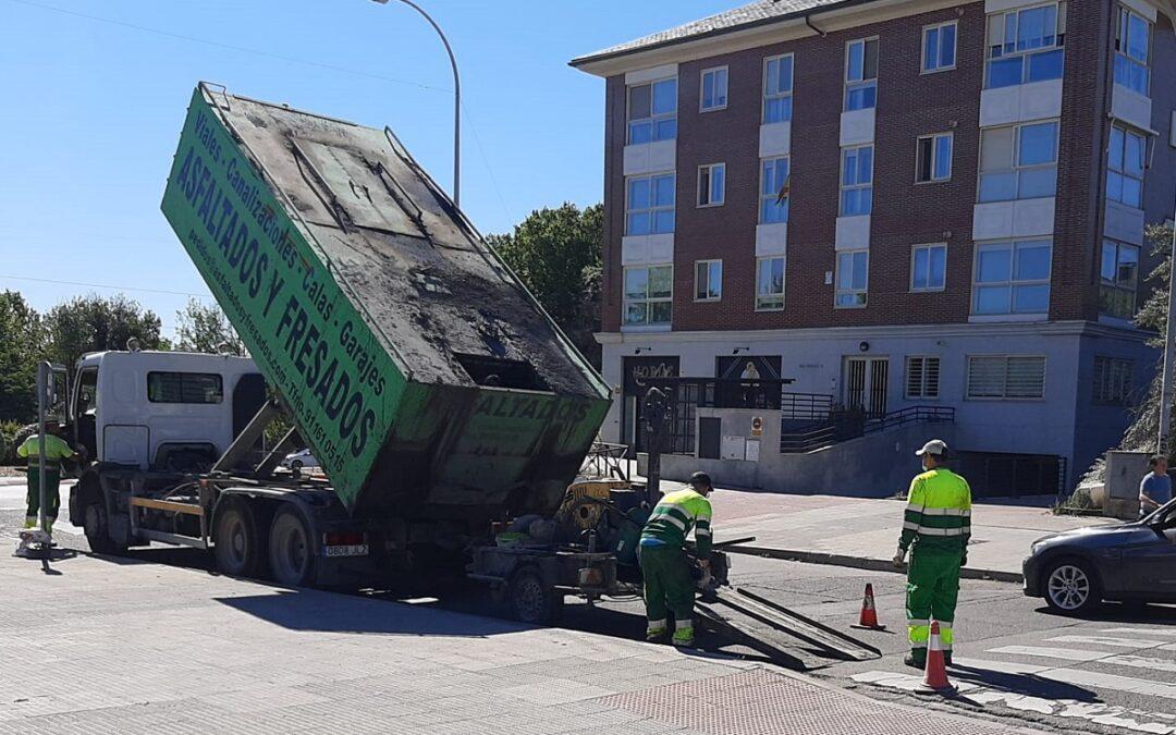 El Ayuntamiento de San Fernando de Henares pone en marcha un programa de parcheo para la reparación de calzadas, eliminando baches y mejorando la circulación al tráfico