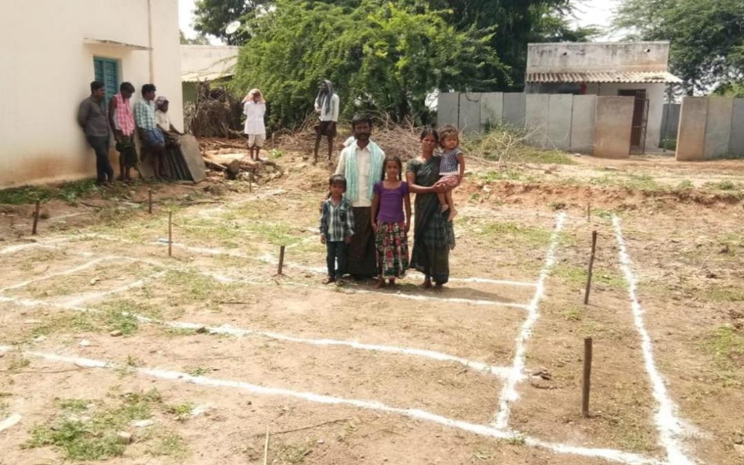 El Ayuntamiento de San Fernando de Henares y la Fundación Vicente Ferrer trabajan para habilitar una colonia de viviendas en la población de Narasapuram Golloladoddi (India)