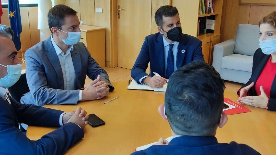 El alcalde, Javier Corpa, continúa con las reuniones con portavoces parlamentarios buscando apoyo para la elaboración de un Plan Integral que dé respuesta a todas las afecciones originadas por la Línea 7B de Metro